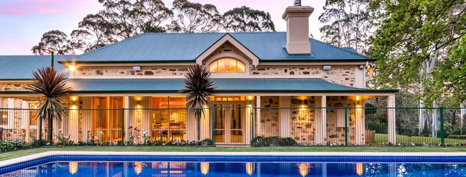 Dee-Anne Hunt Lifestyle Property Specialist Contact